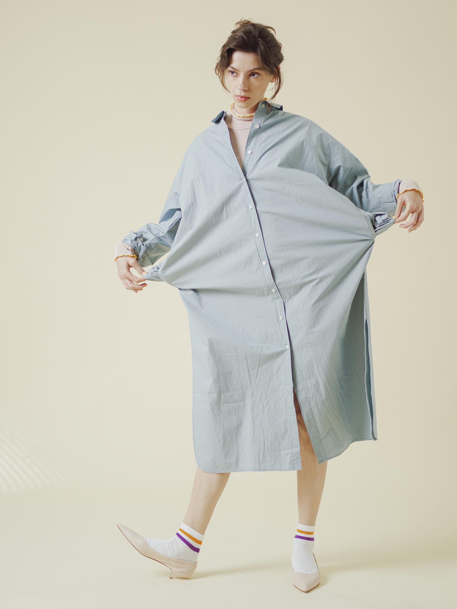 8_2 dress¥18,000  tops¥37,000  socks¥1,500  shoes¥33,000