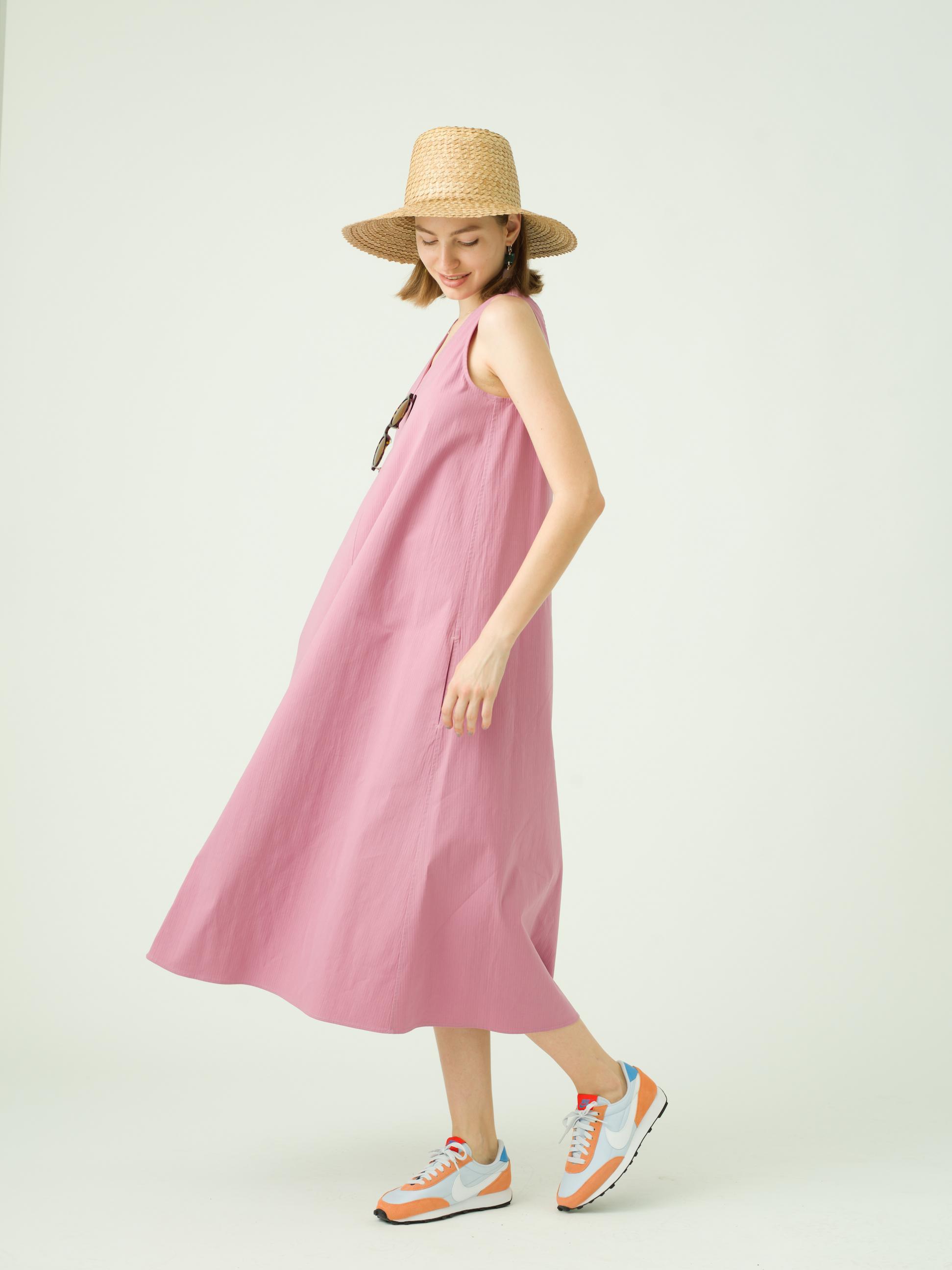 3_2 dress¥23,000  hat¥14,000  eyewear¥42,000  earring¥10,000  necklace¥20,000  shoes¥11,000