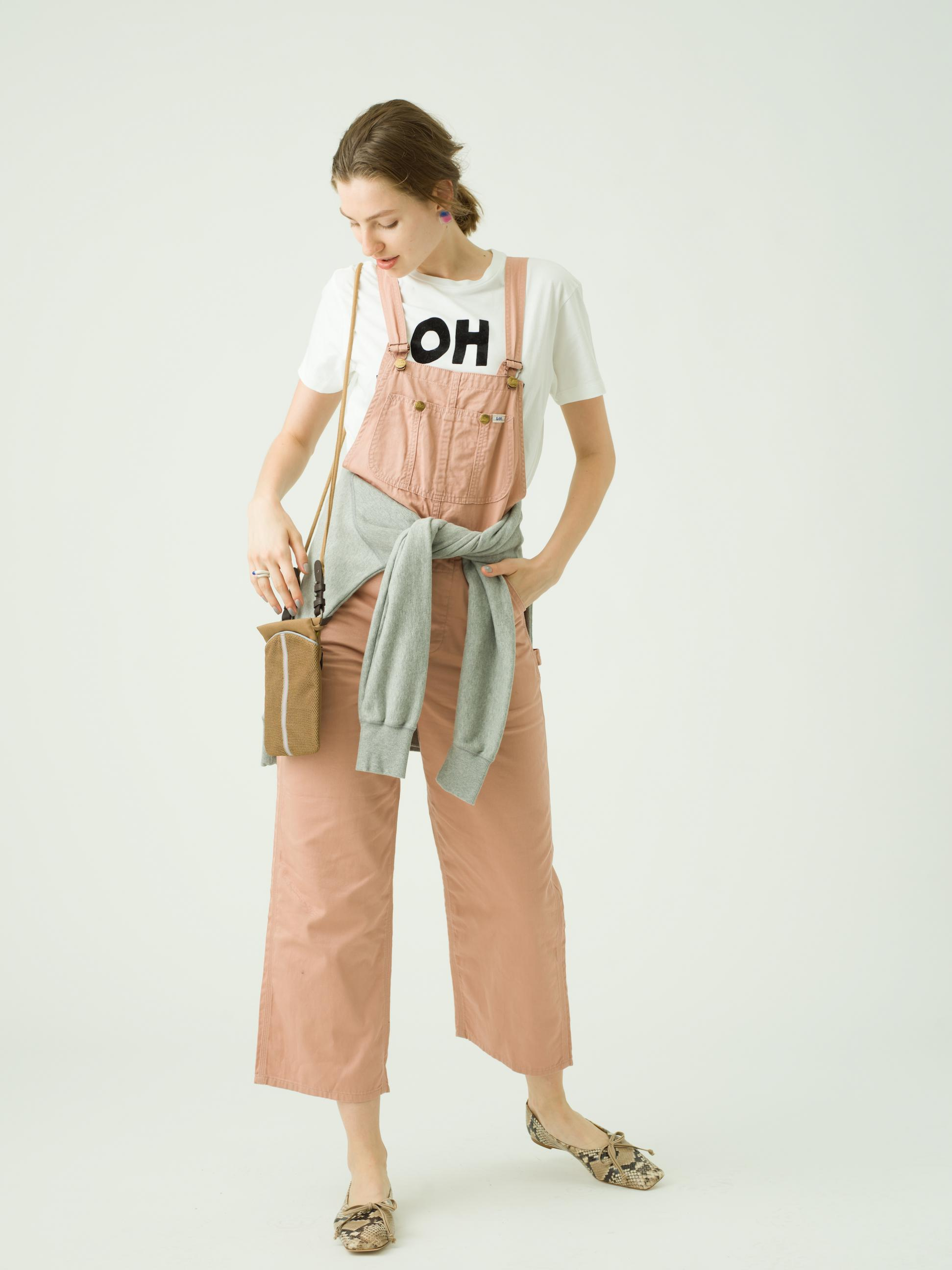 7_2 tops¥16,000  overall¥21,000  earring¥9,000  ring¥6,000  ring¥6,000  bag¥86,000  shoes¥37,000