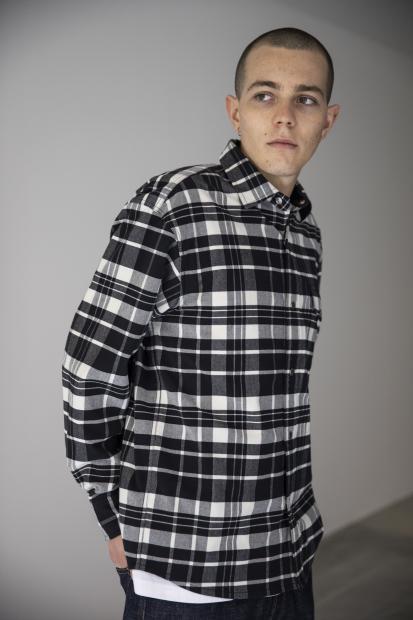 10_1 shirt¥14,000  denim¥29,000  tee¥9,000