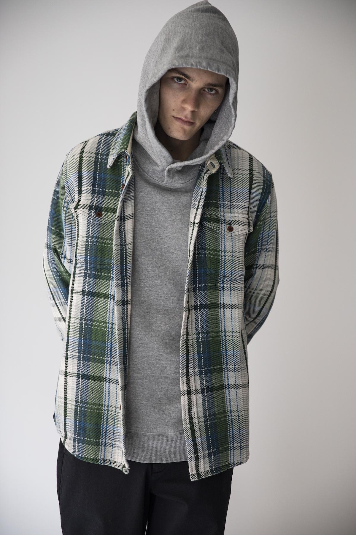 15_2 shirt¥26,000  hoodie¥16,000  tee¥9,000  pants¥19,000
