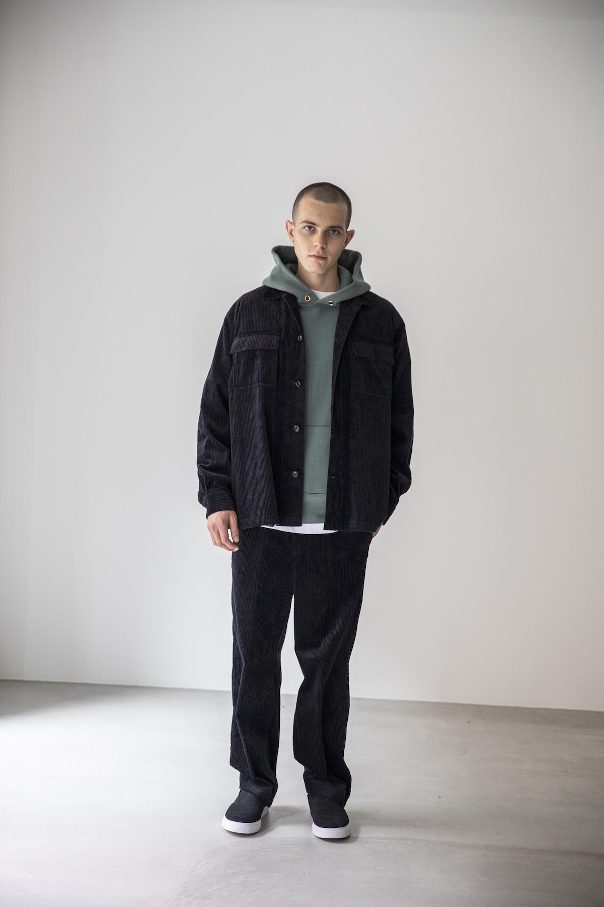 18 jacket¥29,000  hoodie¥27,000  pants¥26,000  shoes¥10,000