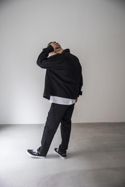 25 jacket¥29,000  tee¥9,000  pants¥23,000  shoes¥5,500