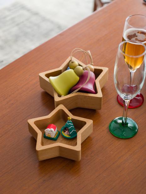 1 wood tray ¥6,000 wood tray ¥4,500 bell ornament ¥2,500 mini tree ¥1,800 mini house ¥2,000