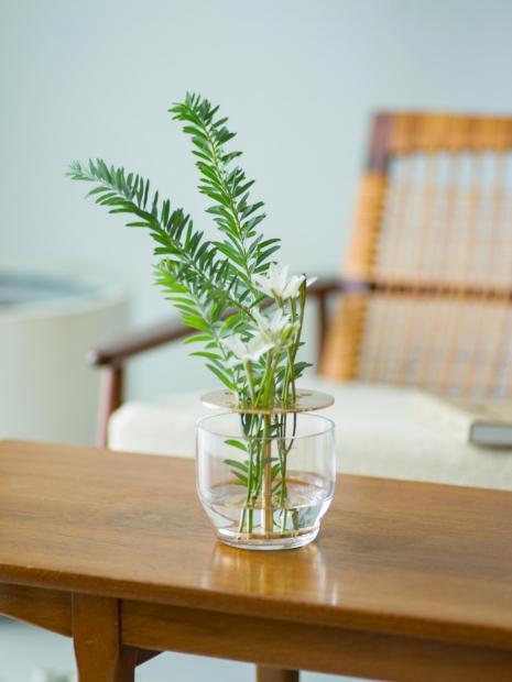 6 Ikebana vase ¥13,000