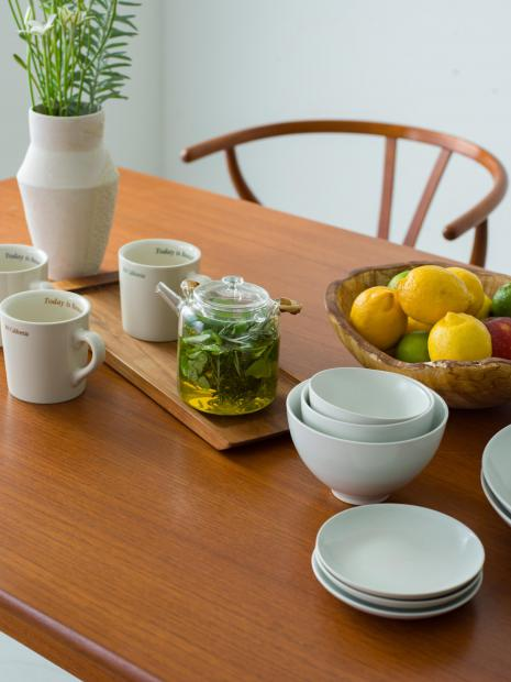 10 vase ¥26,000 plate SS ¥1,200 bowl S ¥2,000 bowl M ¥2,400 bowl L ¥2,800