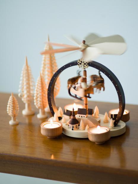14 pyramid ornament ¥26,000 wood chip tree ¥1,000~