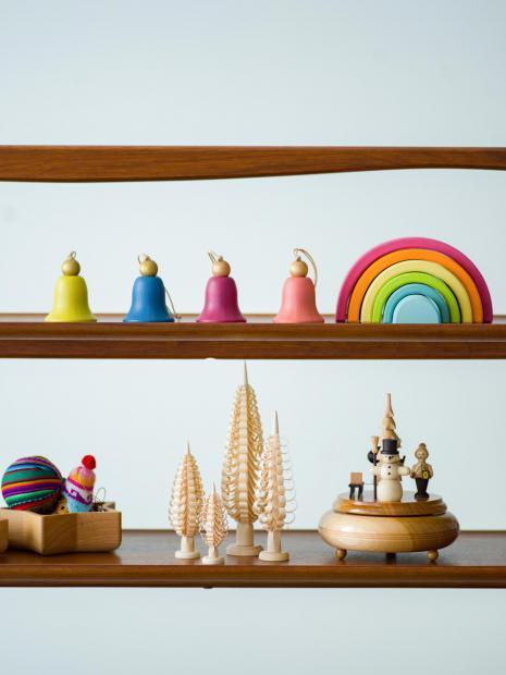 16 bell ornament ¥2,500 rainbow block ¥5,500 music box christmas ¥26,000 wood tray ¥6,000 ornament ¥2,500