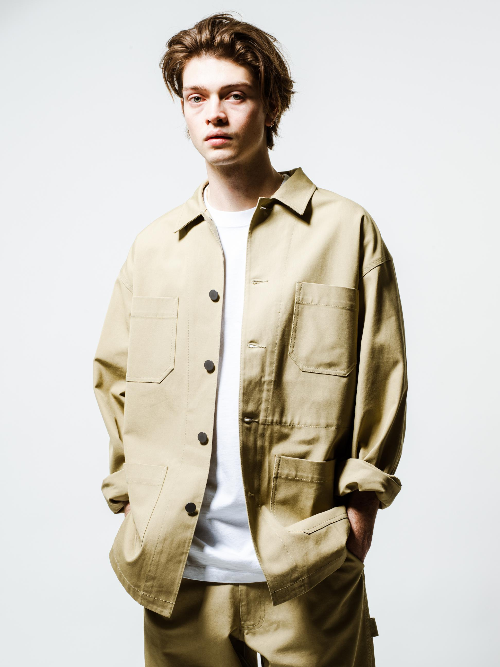 5) Jacket ¥30,000  Inner ¥8,000  Pants ¥26,000  Shoes ¥5,800