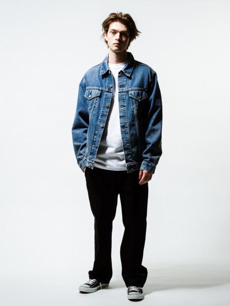 9) Jacket ¥46,000  Inner ¥8,000  Pants ¥20,000  Shoes ¥5,800