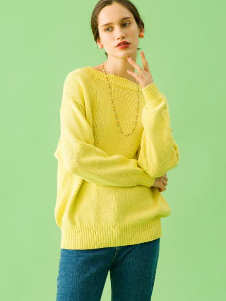 1_2 knit¥26,000 pants¥23,000 earrings¥59,000 necklace¥6,000 shoes¥29,000