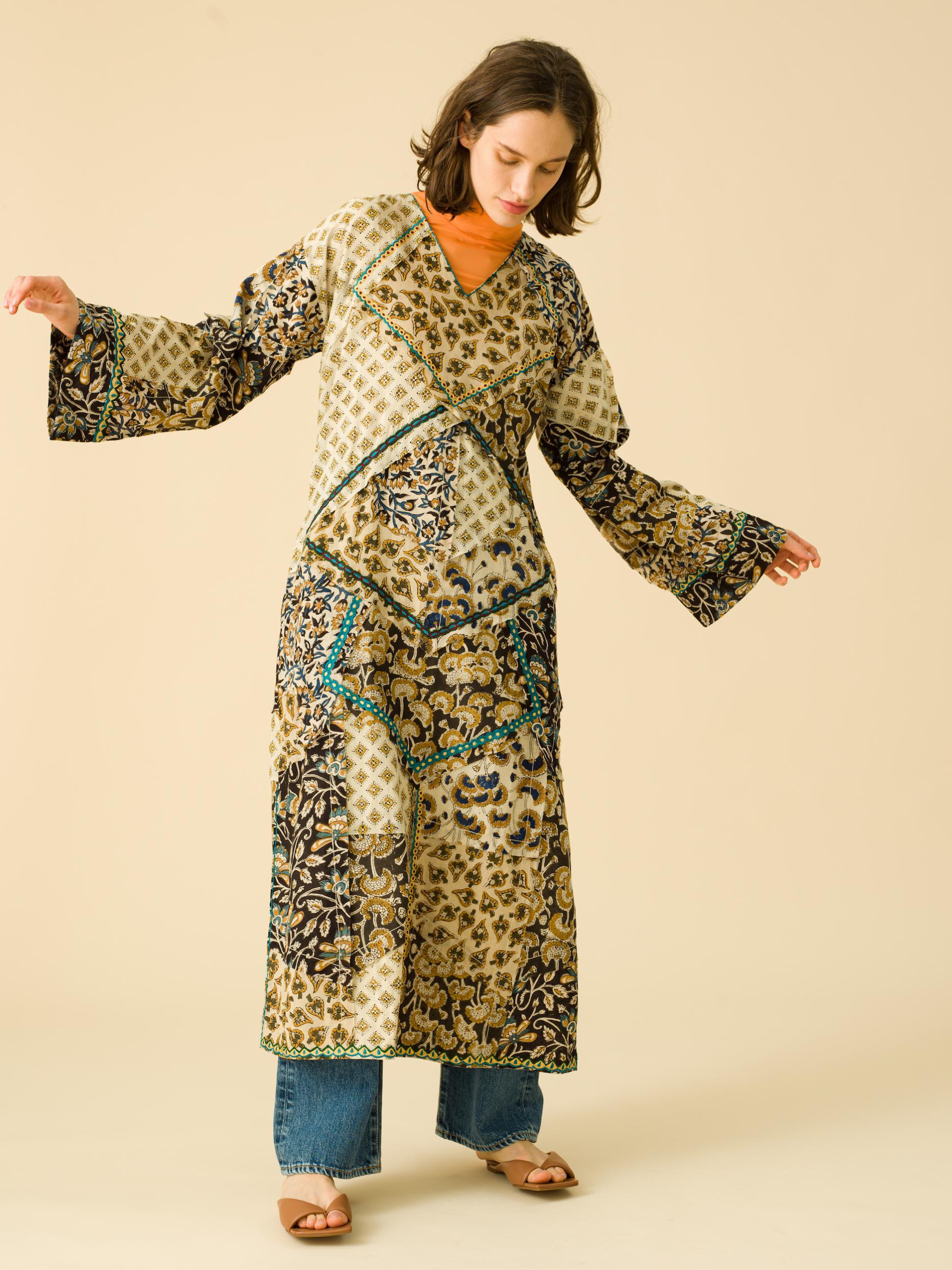5_2 dress¥19,000 tops¥19,000 pants¥23,000 shoes¥28,000