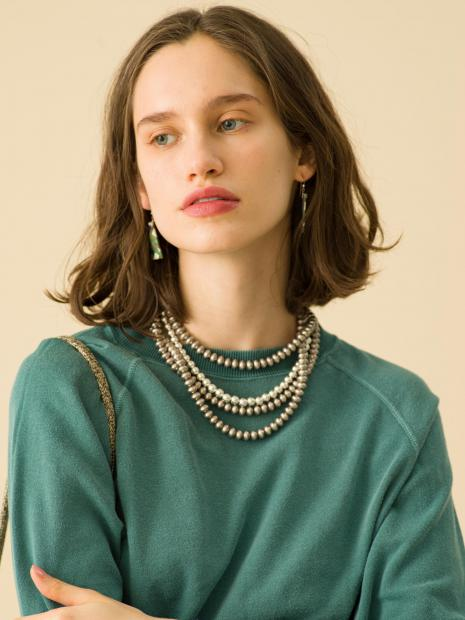 13_1 sweat¥19,000 earrings¥20,000 necklace¥250,000 necklace¥43,000 bag¥39,000