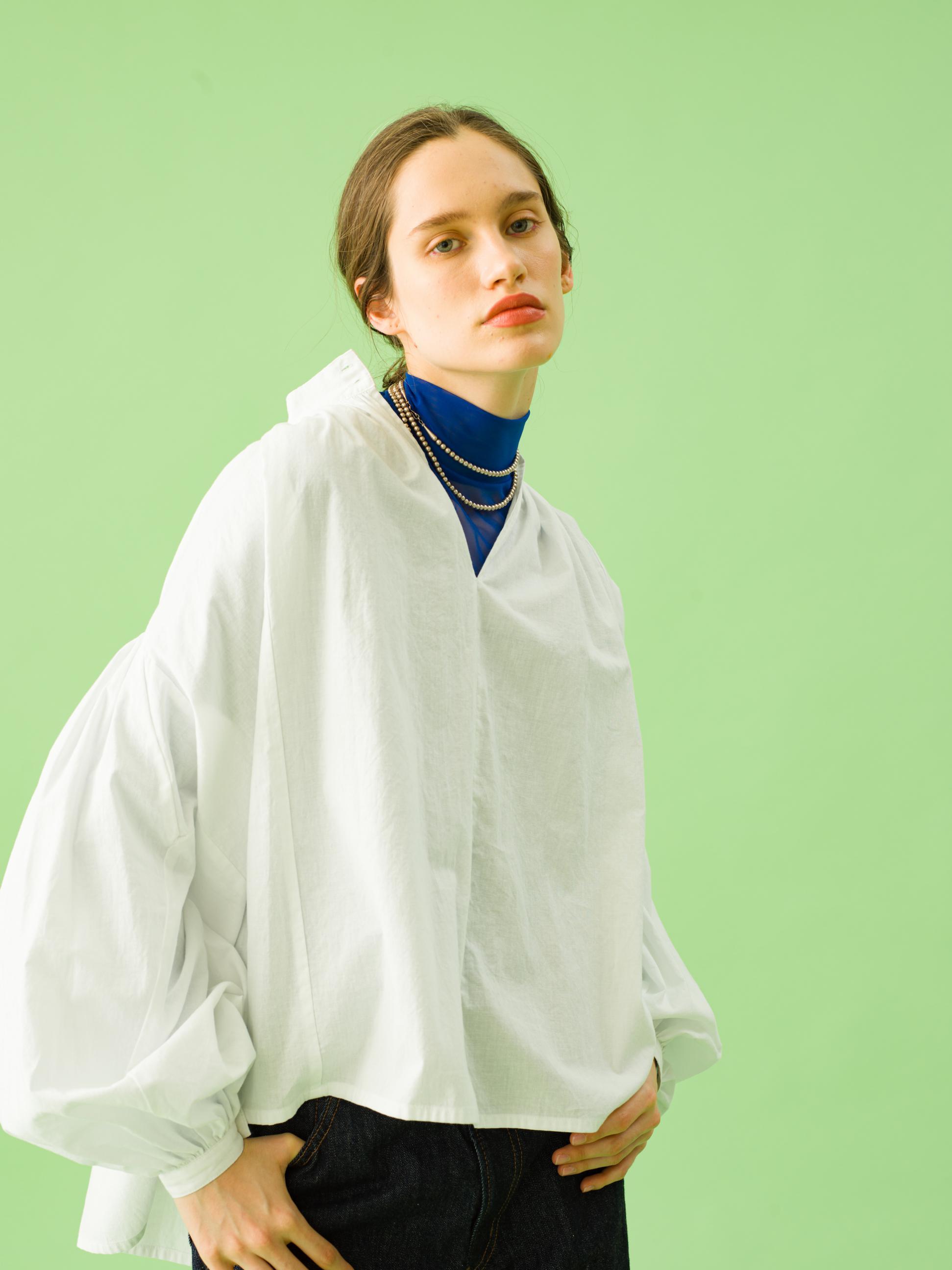 17_2 blouse¥21,000 tops¥19,000 pants¥21,000 necklace¥43,000