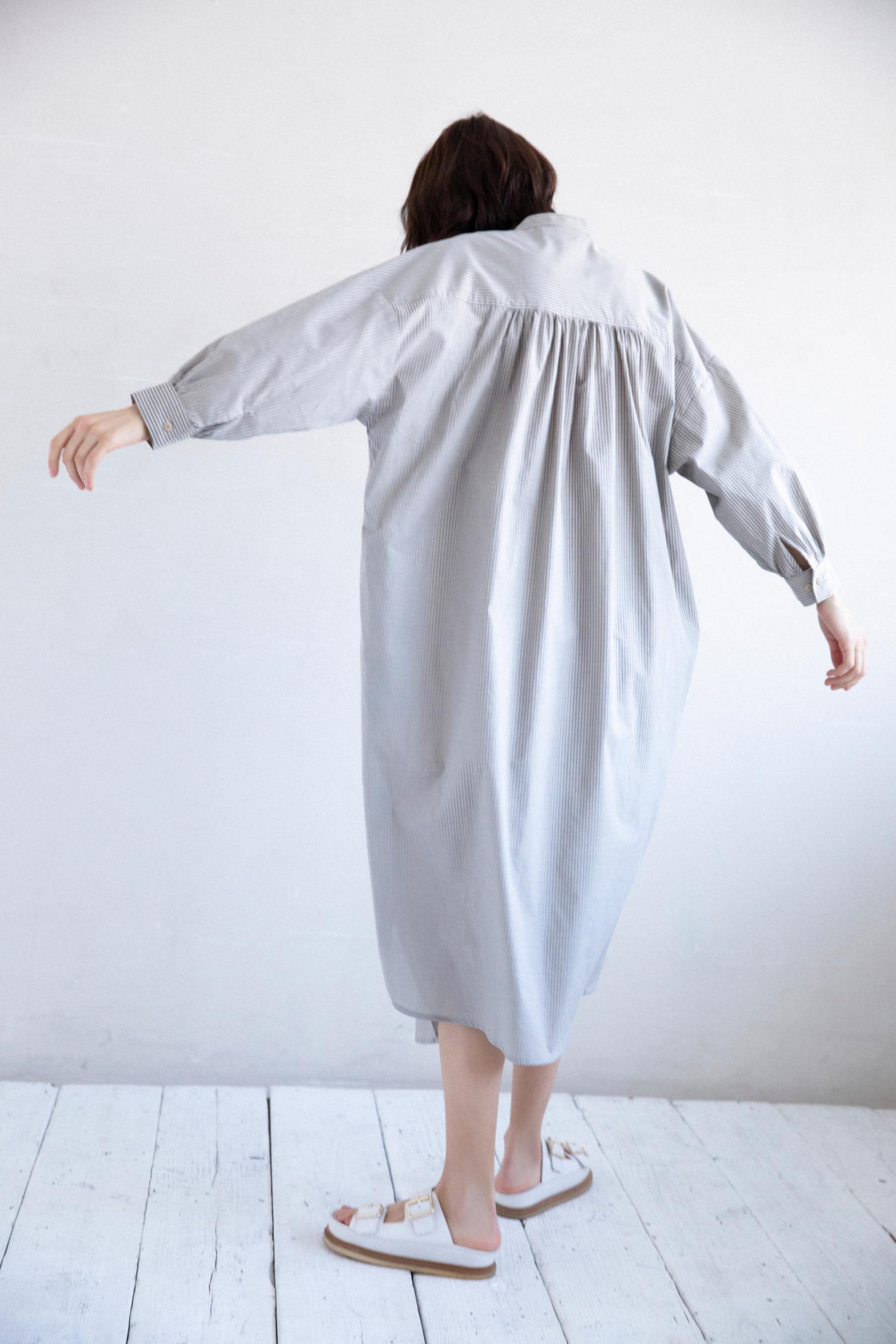 5_3 dress¥38,500 necklace¥25,300 shoes¥20,900