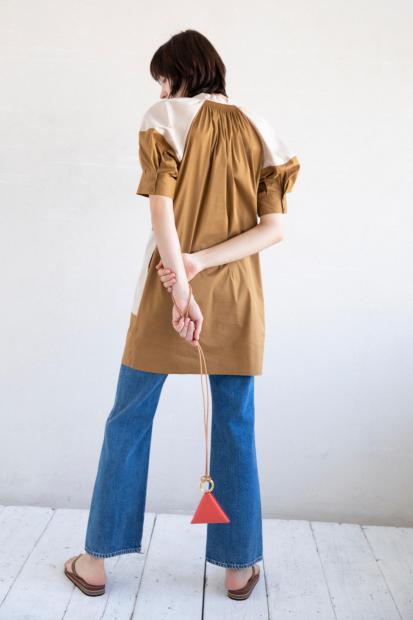 7_2 dress¥53,900 pants¥25,300 bag¥16,500 shoes¥16,500