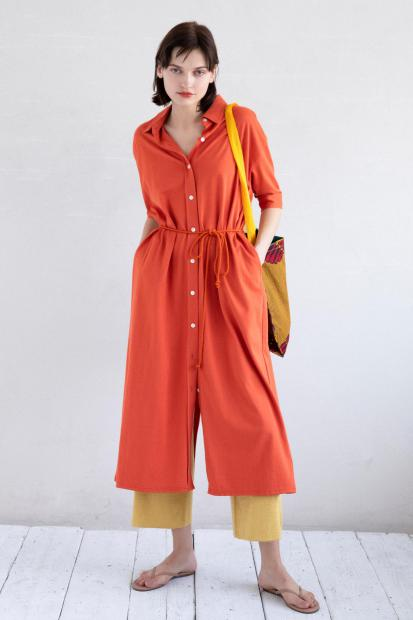16_1 dress¥25,300 pants¥31,900 bag¥6,600 shoes¥11,000