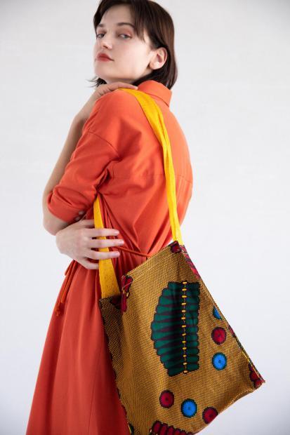 16_1 dress¥25,300 bag¥6,600