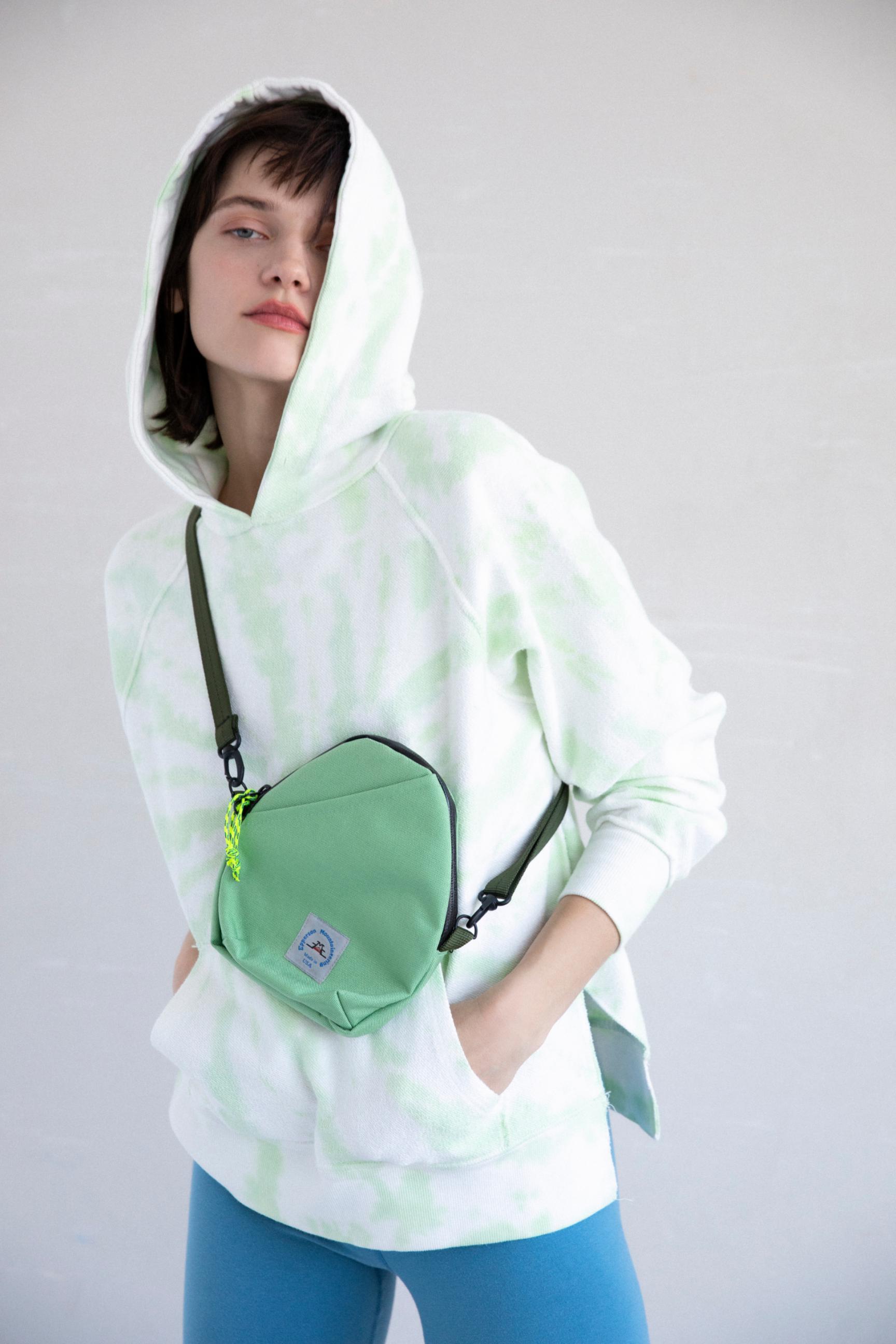 17_1 hoodie¥23,100 pants¥8,800 bag¥9,900