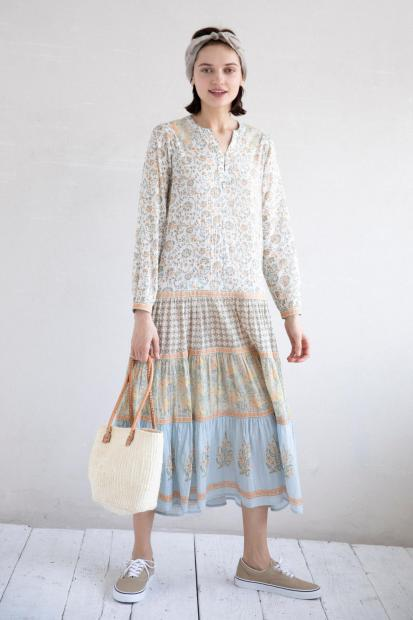 20_1 dress¥25,300 hair acc¥8,580 bag¥12,100 shoes¥6,050