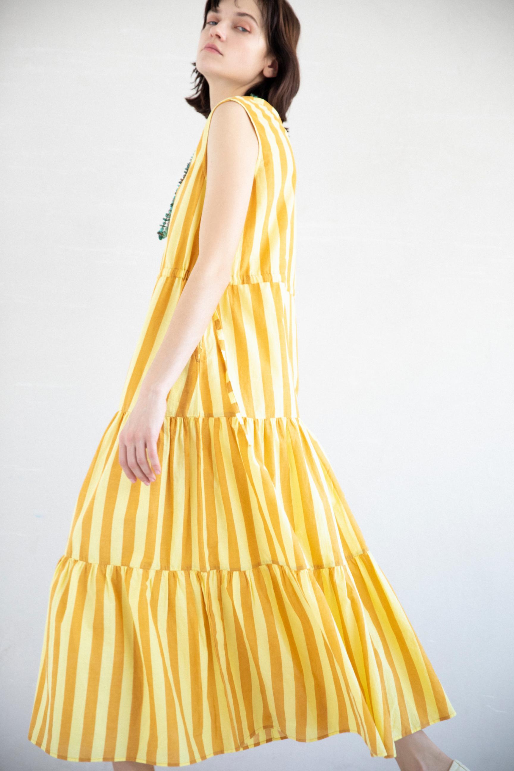 30_2 dress¥23,100 necklace¥45,100