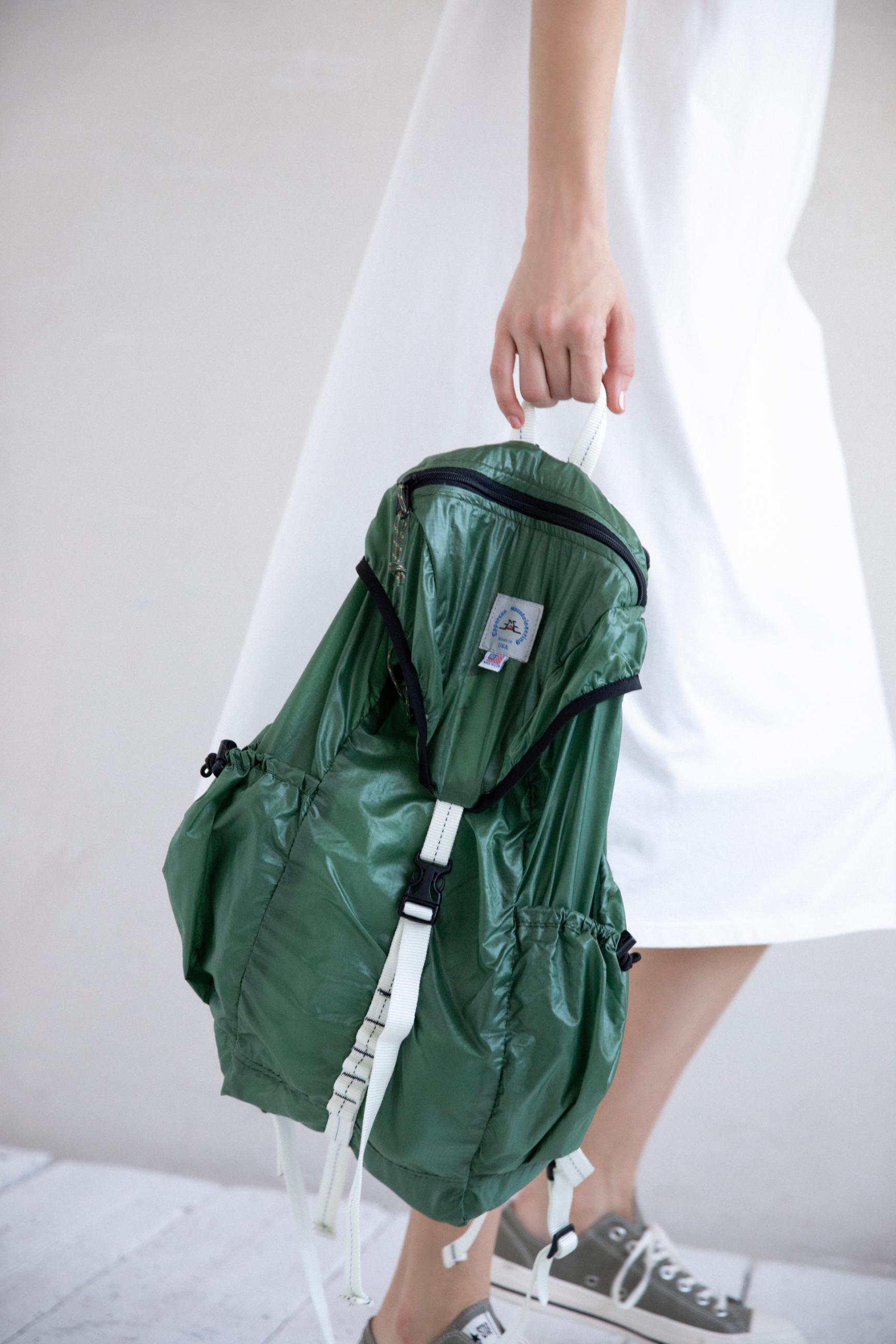42_1 dress¥23,100 bag¥19,250 shoes¥7,150