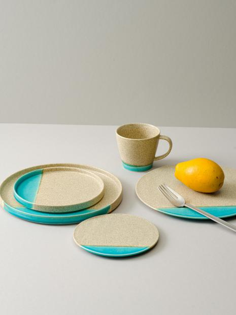 5 plate(S) ¥2,640  plate(L) ¥4,180  flat plate(S) ¥2,200  flat plate(L) ¥5,280  cup ¥1,760