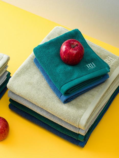 25 mini bath towel ¥4,950  hand towel ¥1,100