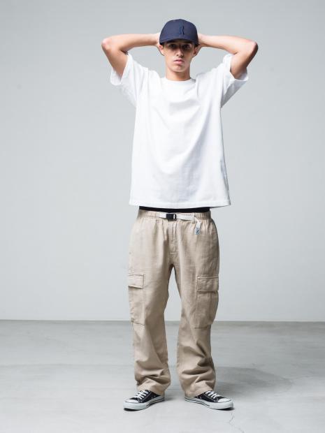 6) Cap ¥9,900  Tee ¥8,800  Pants ¥17,600  Shoes ¥6,380