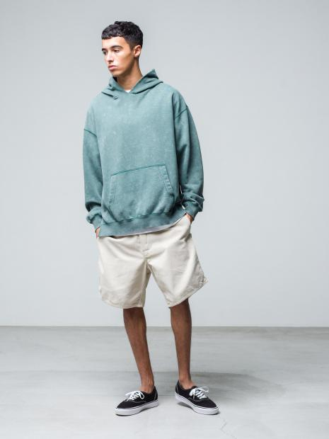 12) Hoodie ¥20,900  Inner ¥8,800  Pants ¥20,900  Shoes ¥8,250