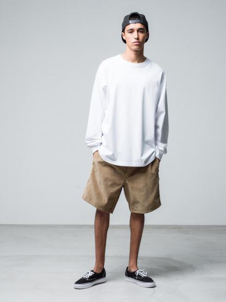 18) Cap ¥9,900  L/STee ¥11,000  Pants ¥20,900  Shoes ¥8,250
