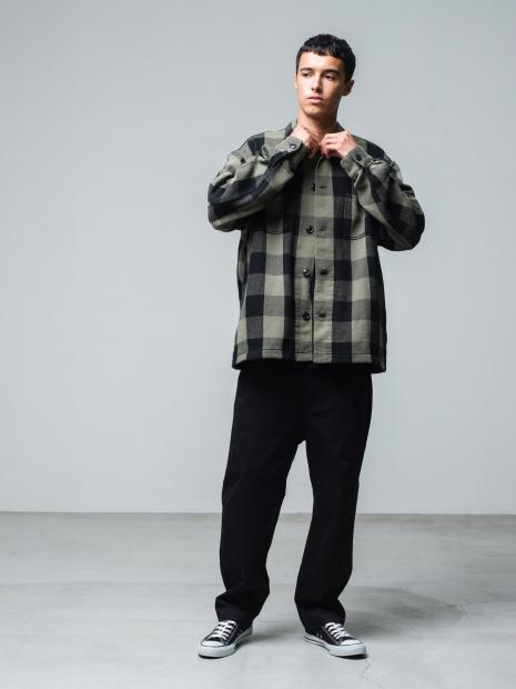 19) L/SShirts ¥25,300  Inner ¥8,800  Pants ¥25,300  Shoes ¥6,380