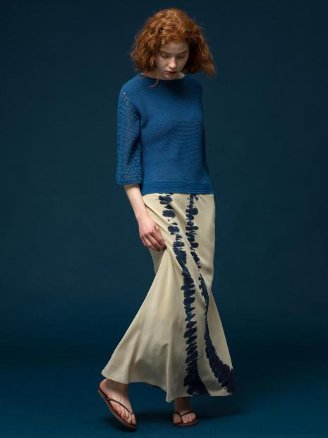 3_2 knit¥31,900 skirt¥42,900 shoes¥11,000