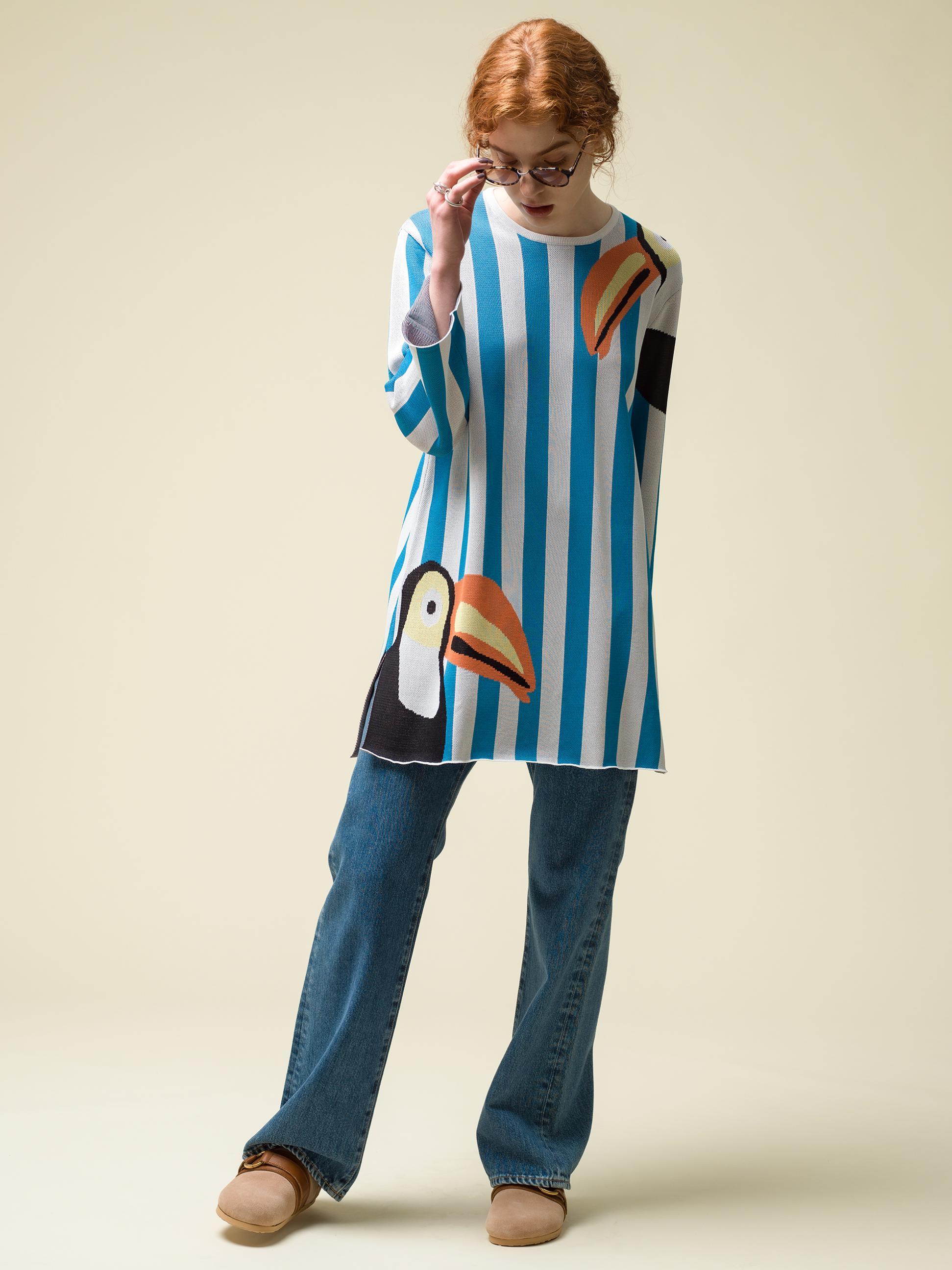 19_1 knit¥39,600 pants¥25,300 sunglasses¥20,900 ring¥118,800 shoes¥42,900