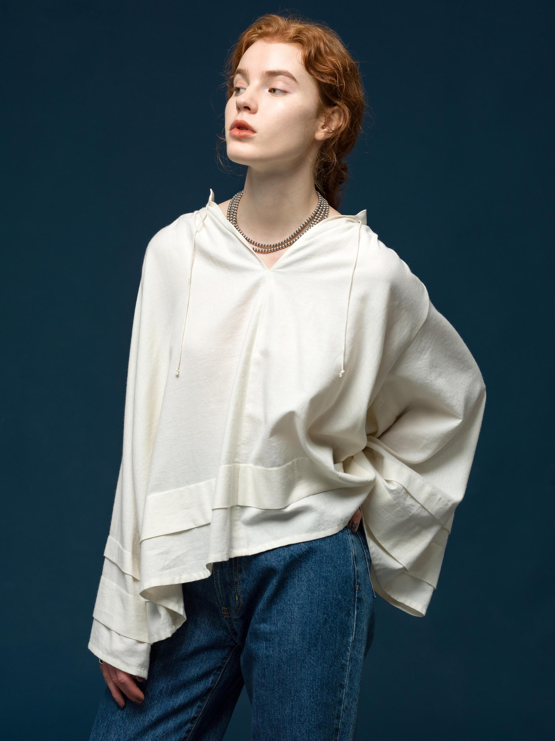 27_2 tops¥28,600 pants¥23,100 necklace¥47,300
