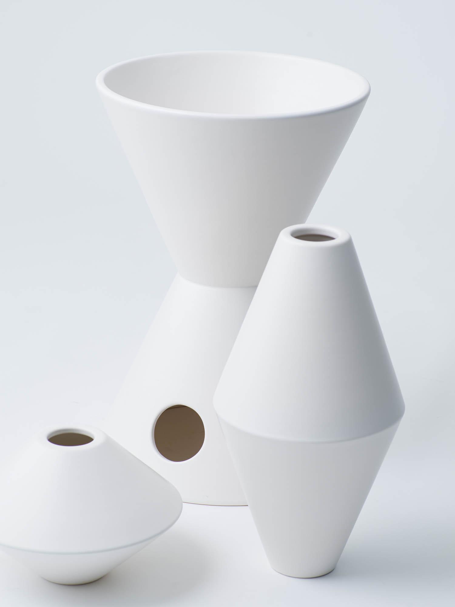 1 vase ¥105,600 vase ¥363,000 vase ¥140,800