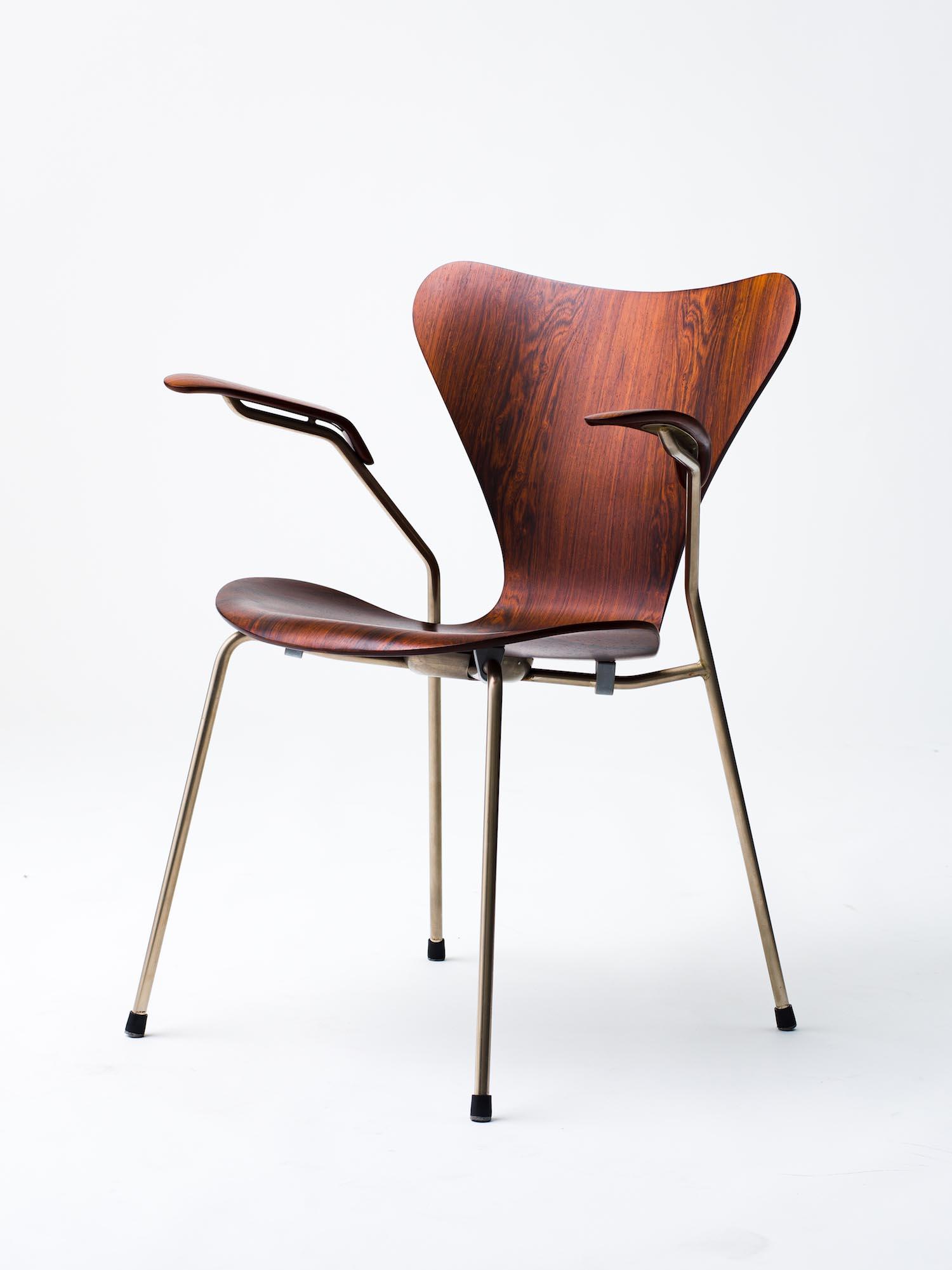 8 arm chair ¥319,000