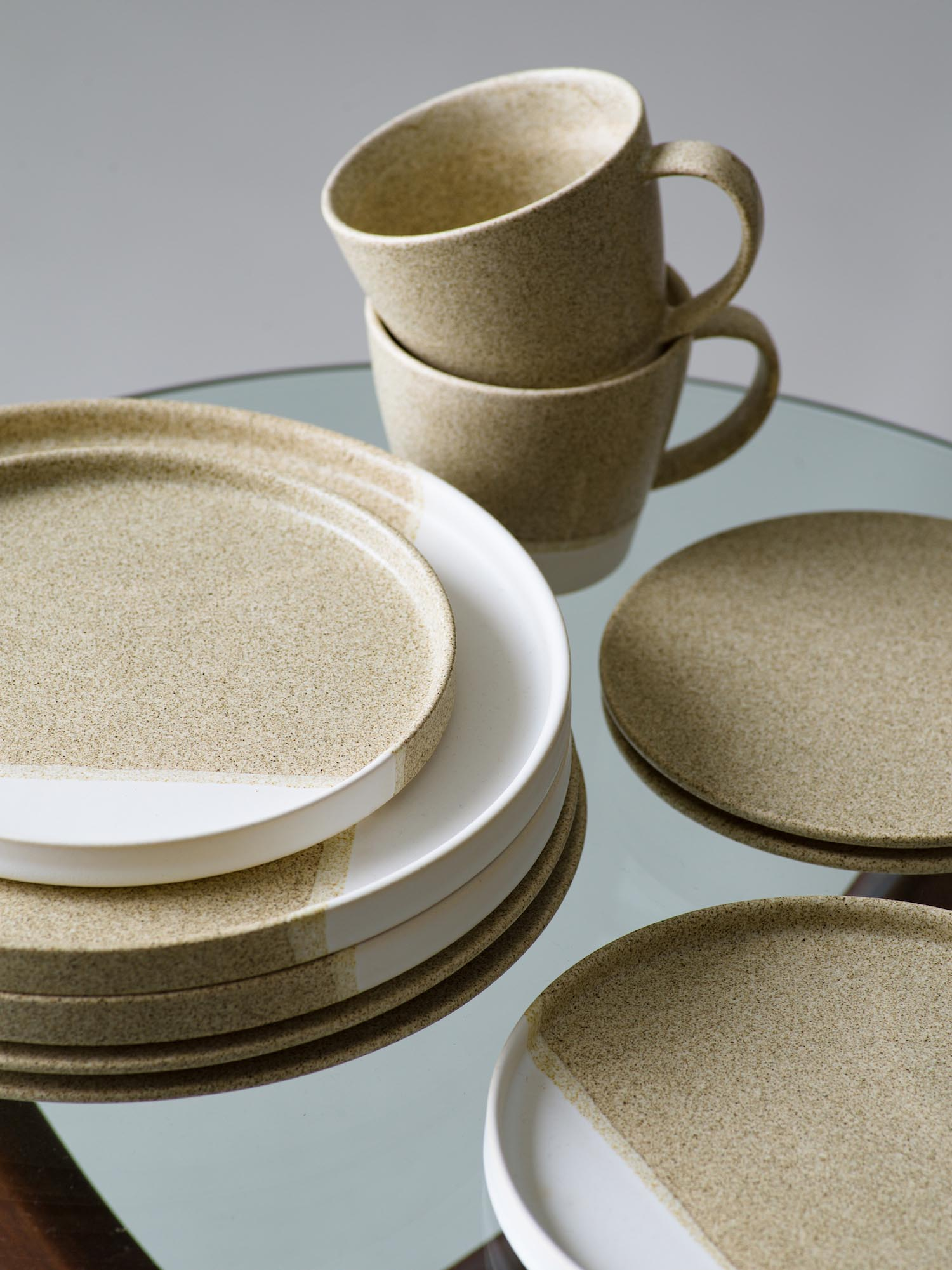 16 plate(S) ¥2,640 plate(M) ¥4,180 flat plate ¥2,200 coffee cup ¥1,760