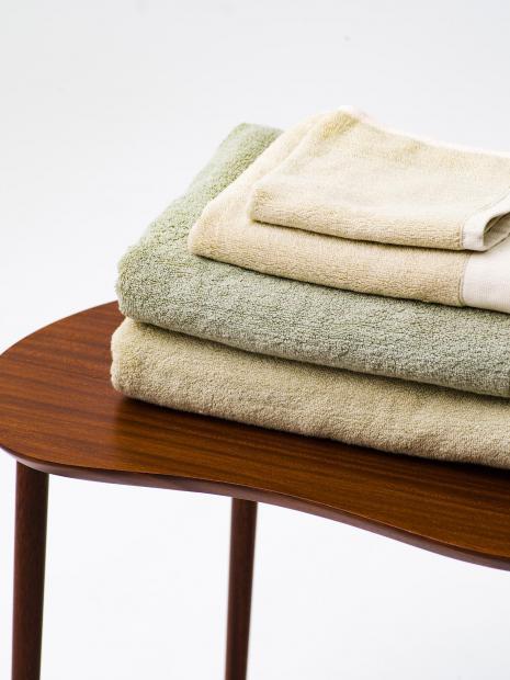 27 face towel ¥1,100 hand towel ¥3,300 bath towel ¥6,600