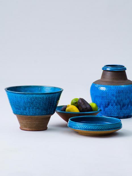 28 tray ¥250,800 tray ¥140,800 tray ¥140,800 vase ¥319,000