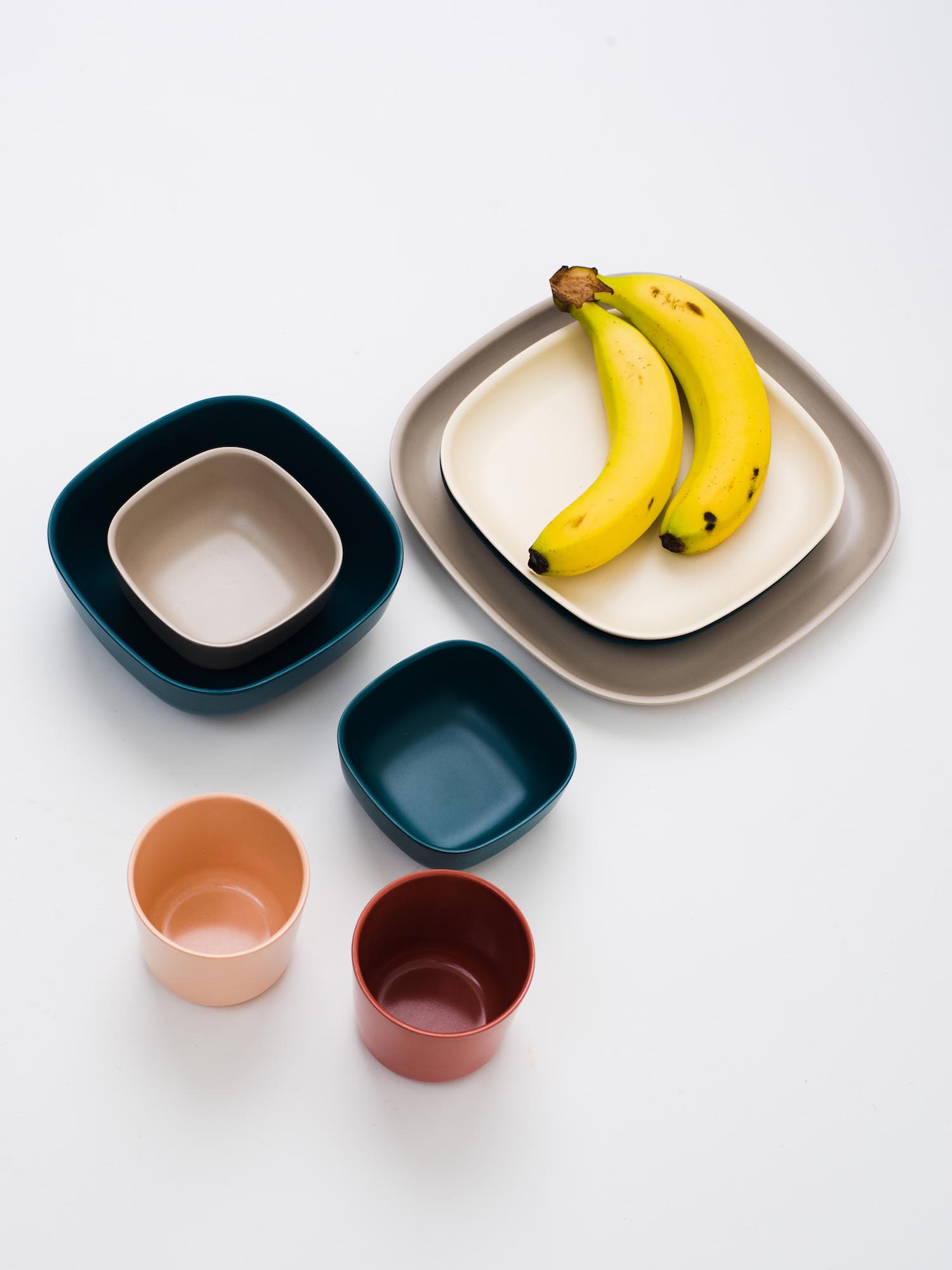 30 small cup ¥770 small bowl ¥770 cereal bowl ¥1,320 side plate ¥1,320 medium plate ¥1,650