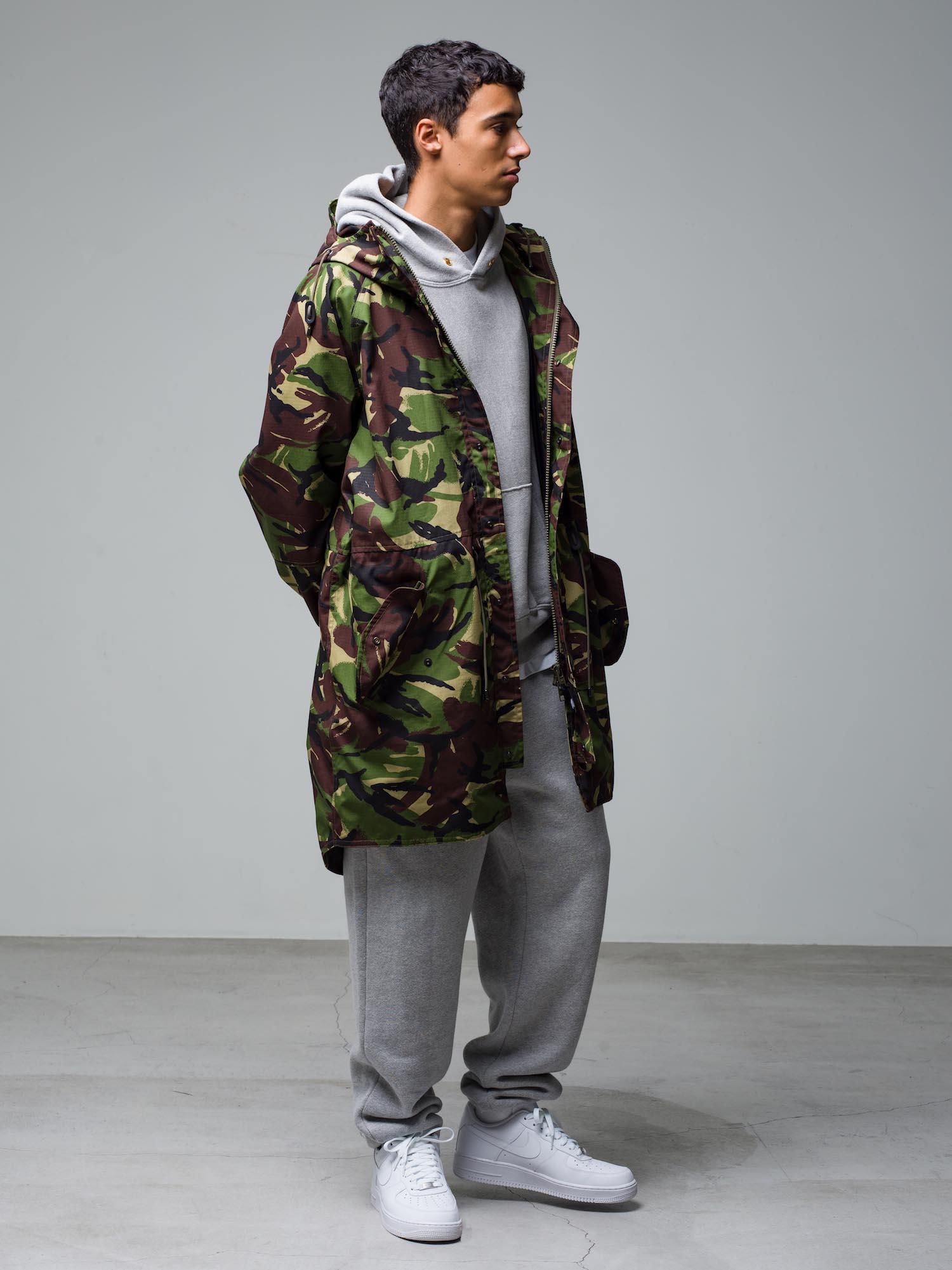 5) Jacket ¥75,900  Hoodie ¥29,700  Inner ¥8,800  Pants ¥22,000  Shoes ¥11,000