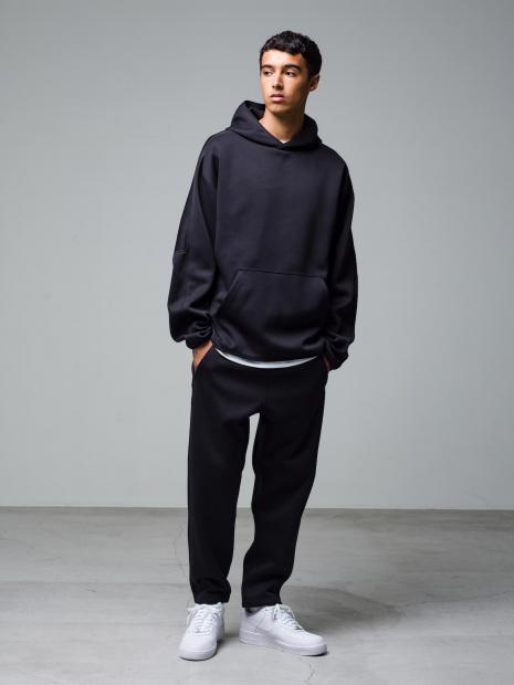 13) Hoodie ¥20,900  Inner ¥8,800  Pants ¥17,600  Shoes ¥11,000