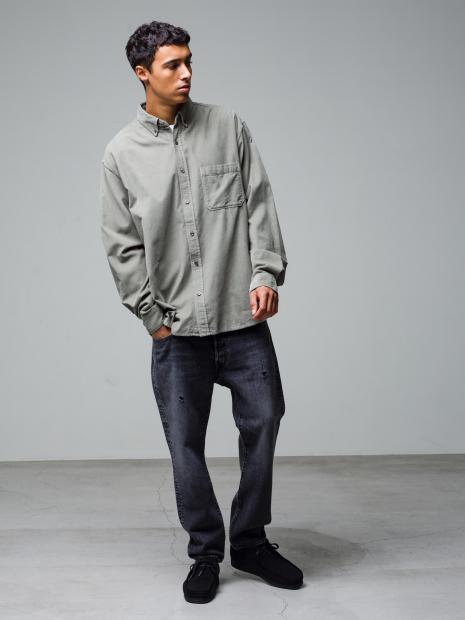 34) L/S Shirt ¥23,100  Inner ¥8,800  Pants ¥39,600  Shoes ¥25,300