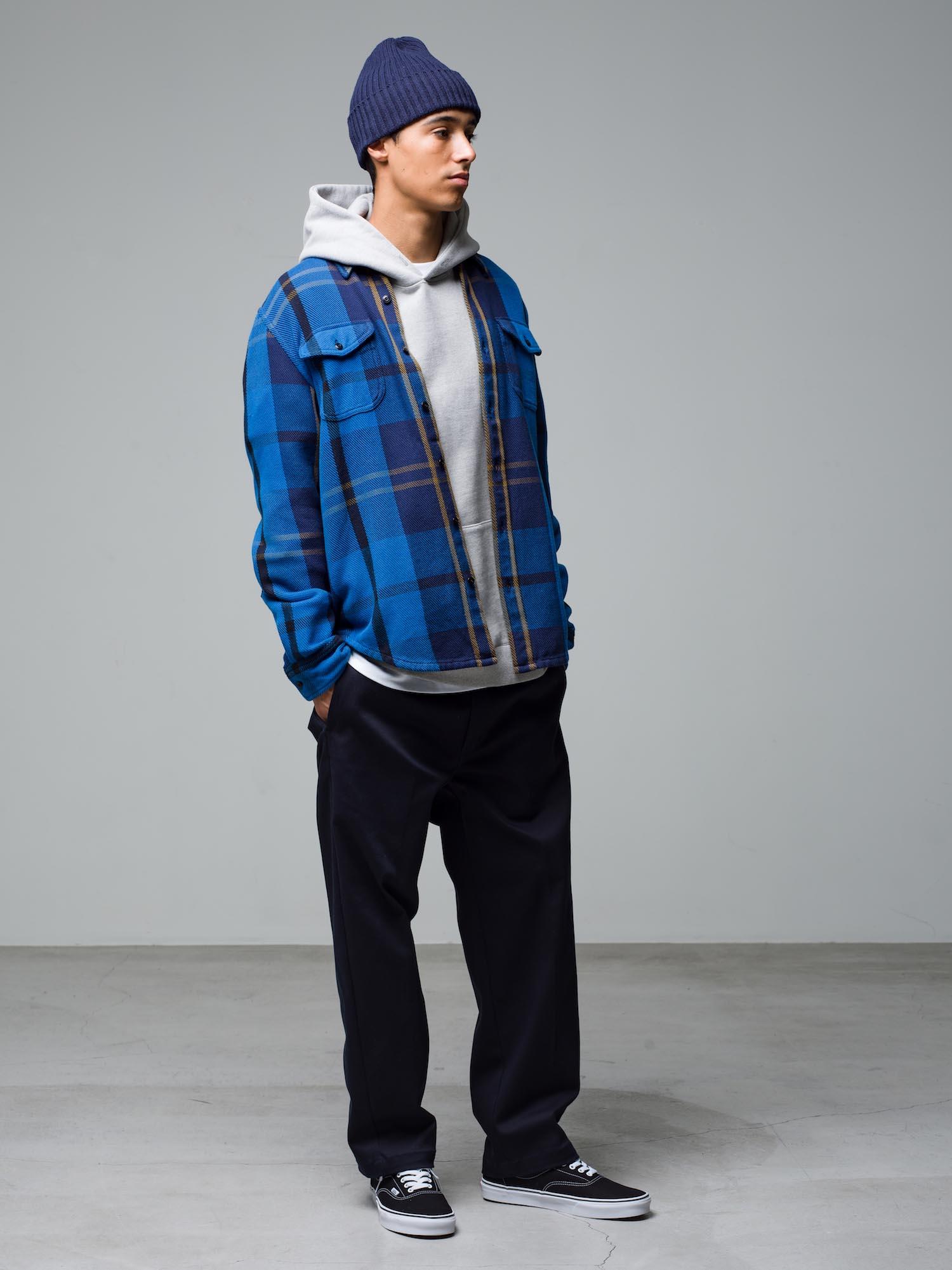 37) Beanie ¥7,700  L/S Shirt ¥28,600  Hoodie ¥25,300  Inner ¥8,800  Pants ¥22,000  Shoes ¥6,050