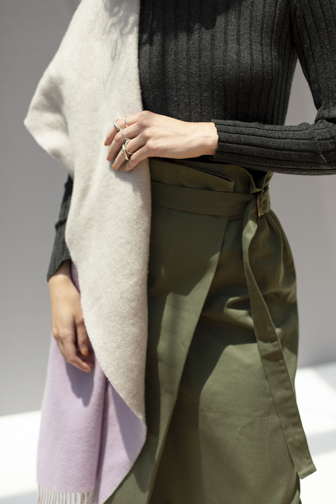7_1 knit¥17,600  skirt¥28,600  stole¥39,600  ring¥118,800
