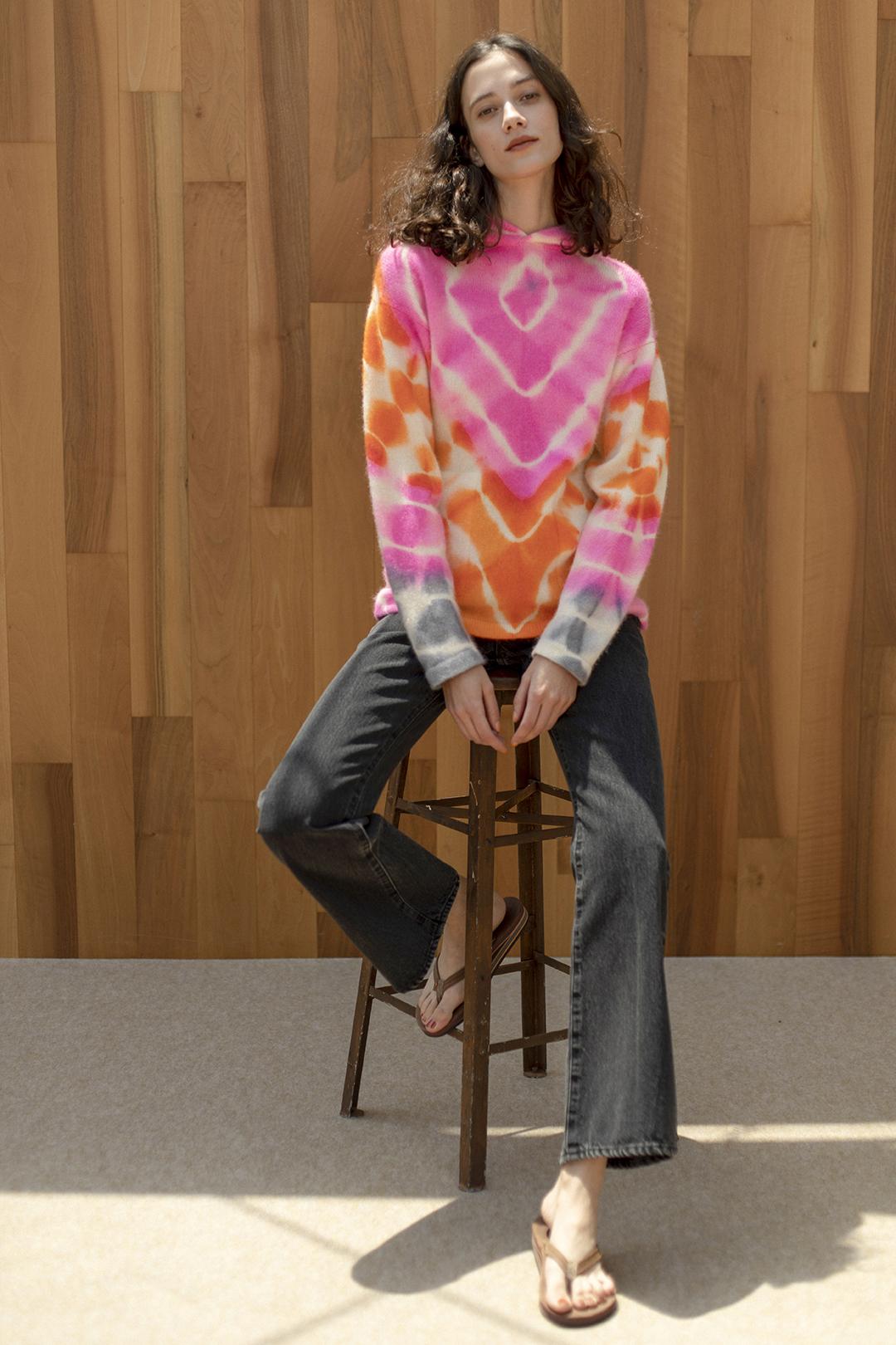 8_1 knit¥220,000  pants¥25,300  shoes¥16,500