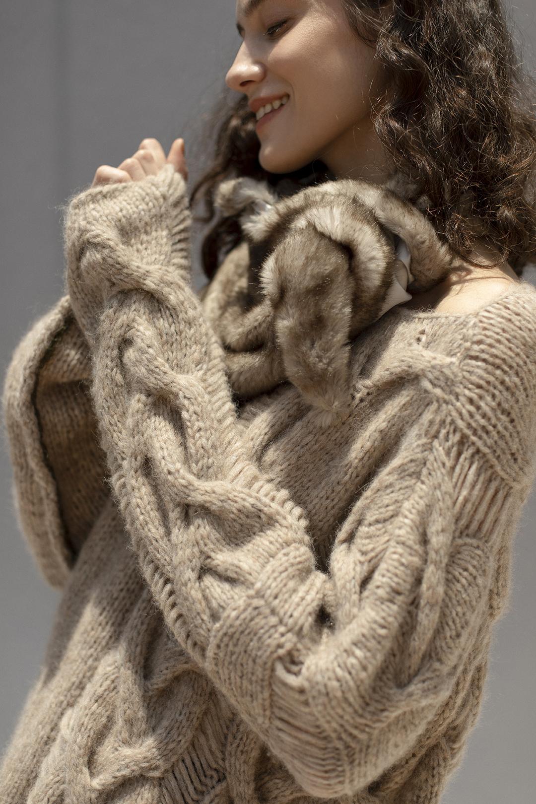 11_1 knit¥64,900  pants¥23,100  acc¥14,300