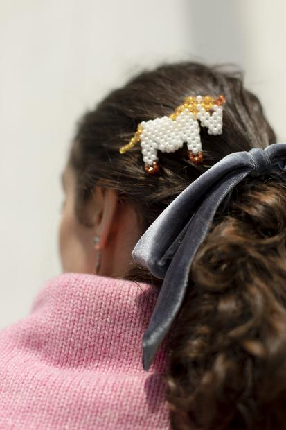 15_1 knit¥33,000  earrings¥19,800  hair acc¥5,500  hair acc¥9,900
