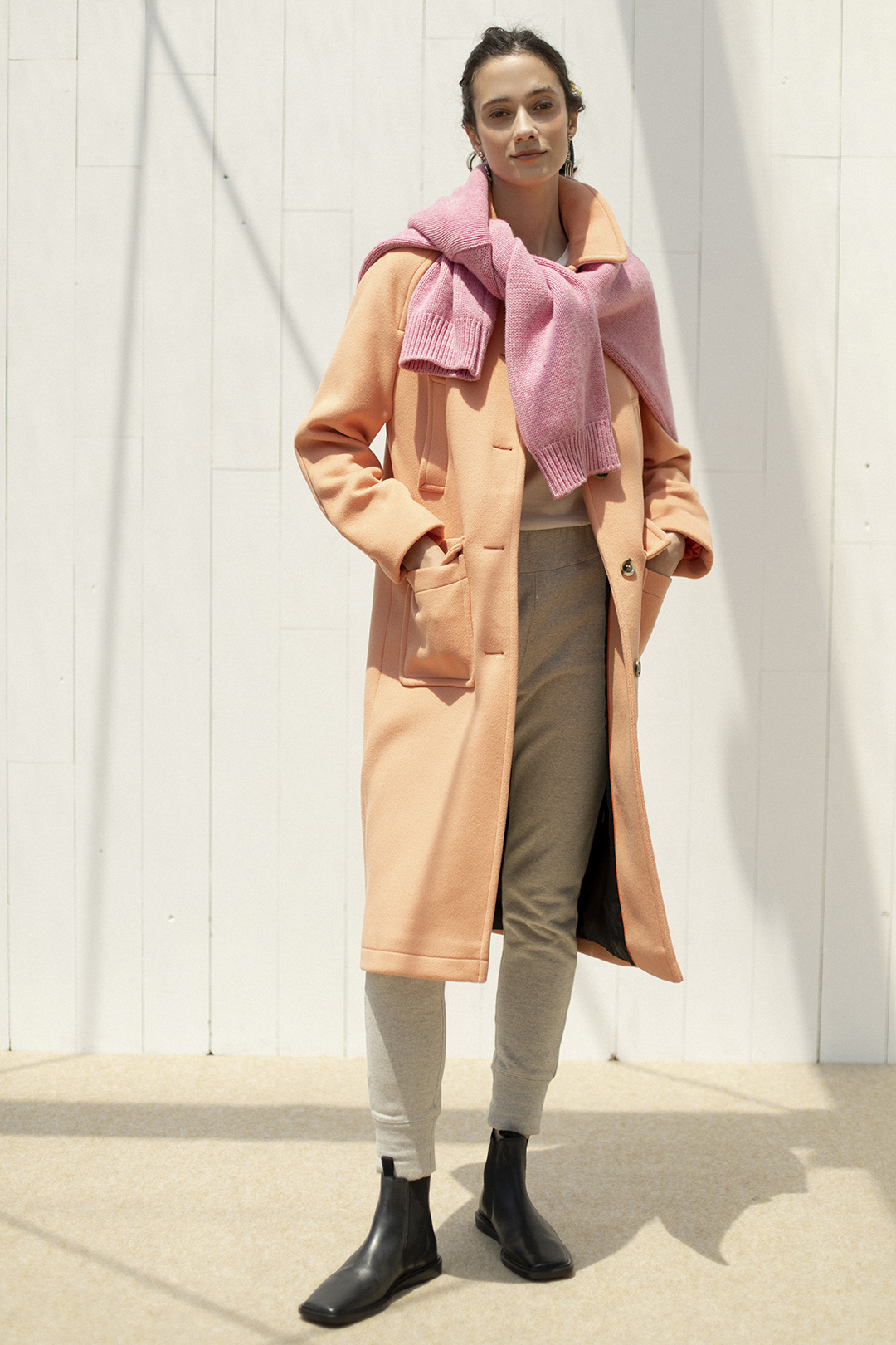 15_2 outer¥86,900  knit¥33,000  tee¥7,480  pants¥20,900  earrings¥19,800  hair acc¥5,500  hair acc¥9,900  shoes¥31,900